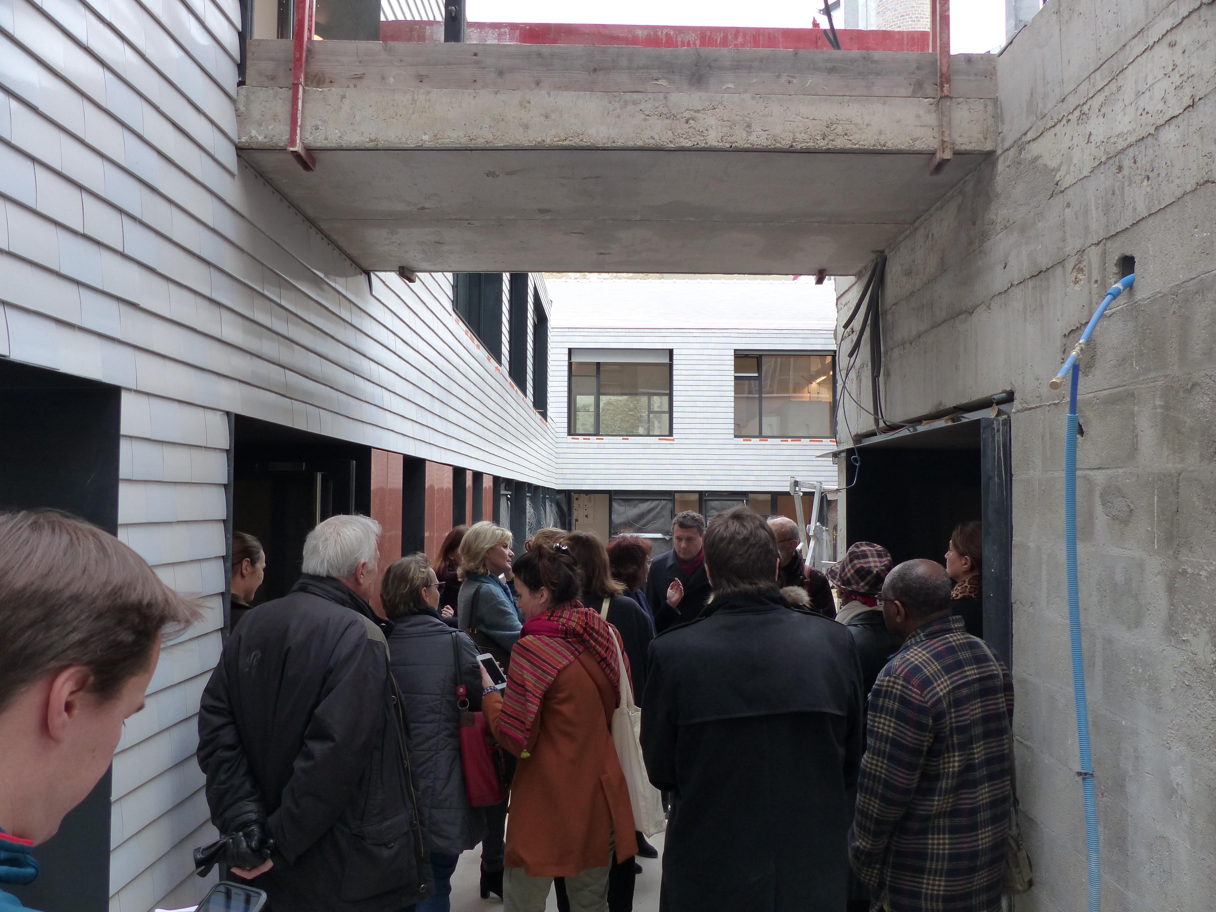 visite de chantier de la villa vauvenargues de la fondation de la croix saint simon