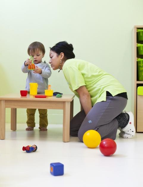 Multi-accueil Clavel, jeux sur table (Fondation Oeuvre de la Croix Saint-Simon)