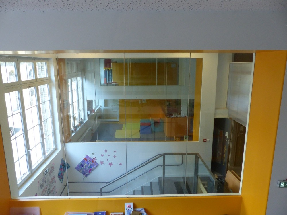 Crèche Les petits Gailhard, escalier de la Fondation Oeuvre de la Croix Saint-Simon