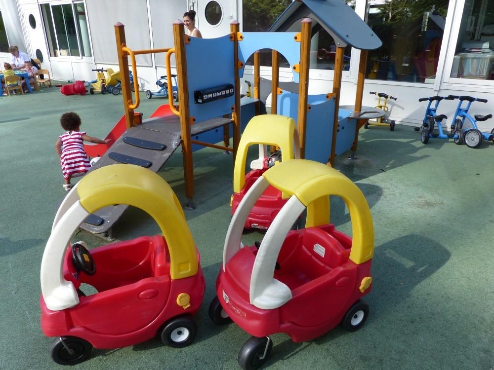 Crèche Viala voitures (Fondation Oeuvre de la Croix Saint-Simon)