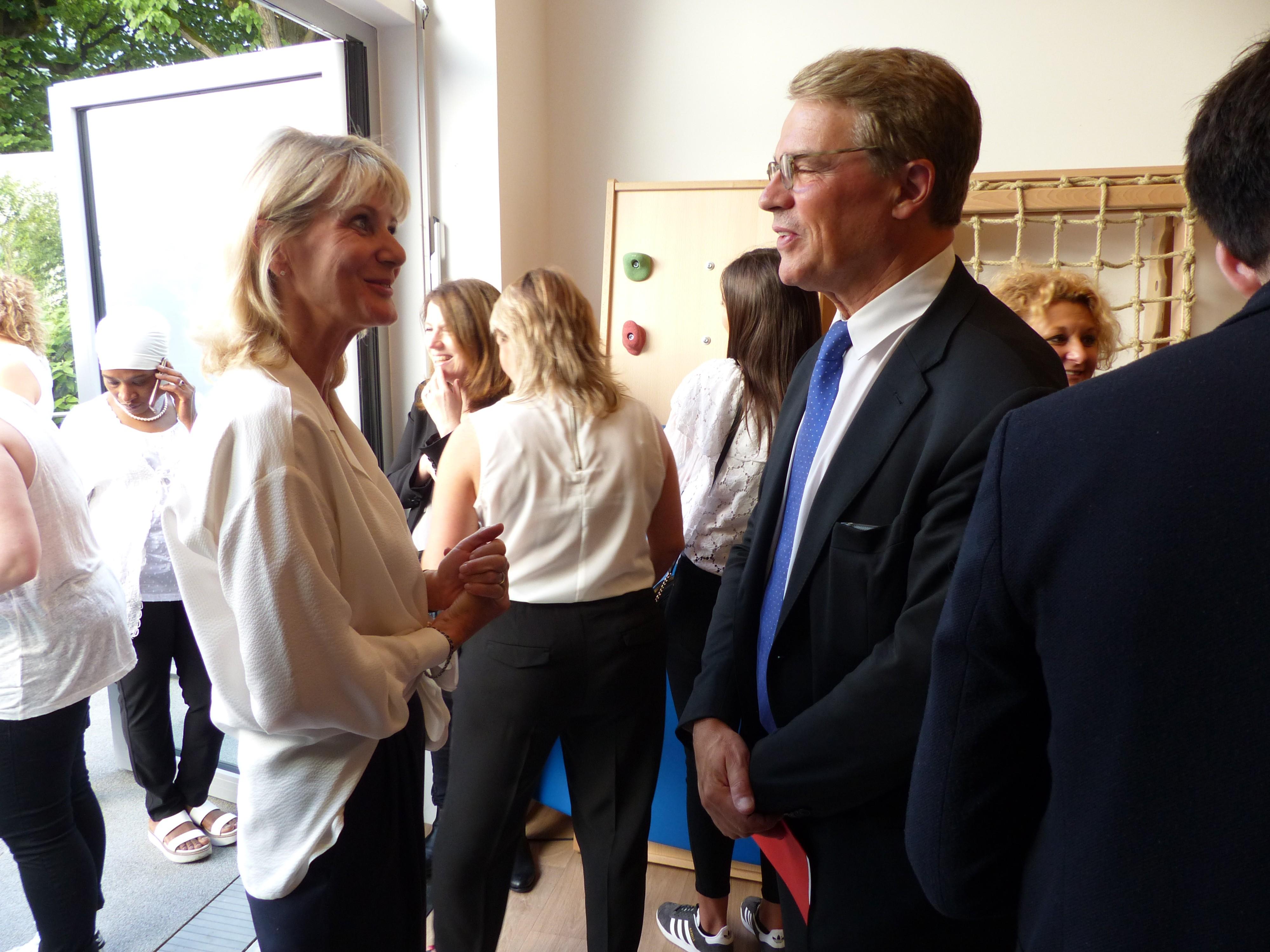 Inauguration du multi-accueil Kirigami de la Fondation Oeuvre de la Croix Saint-simon Nathalie D'asaro Biondo et Patrick Bloche