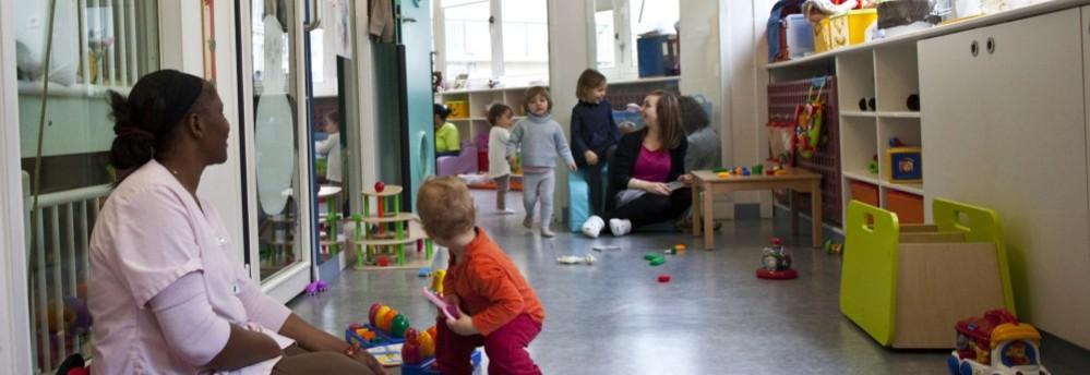 Crèche Bethléem, jeux (Fondation Oeuvre de la Croix Saint-Simon)