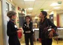 Mme Pau Langevin, députée, au centre d'accueil de jour pour personnes malades d'Alzheimer L'Etimoë